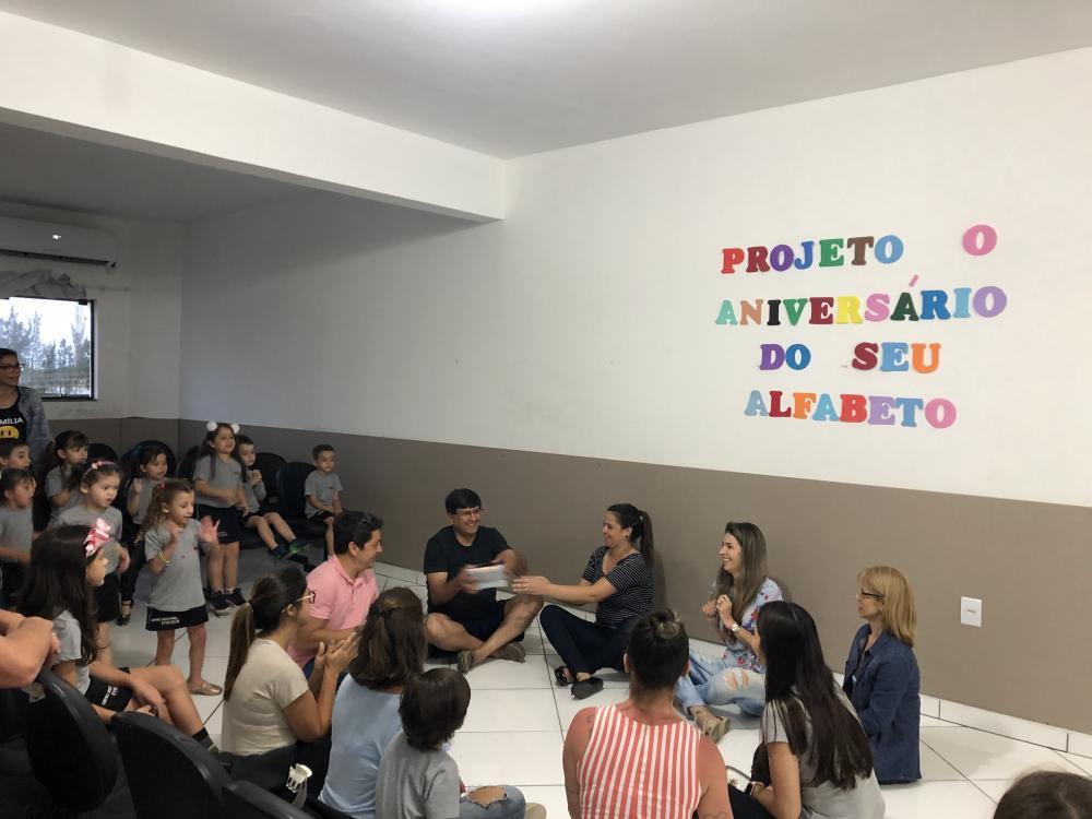 Socialização do Projeto: O aniversário do Seu Alfabeto